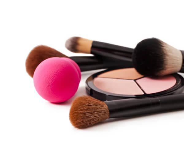 Cómo saber si el color de la base de maquillaje es ideal para el color de mi piel - sana y hermosa