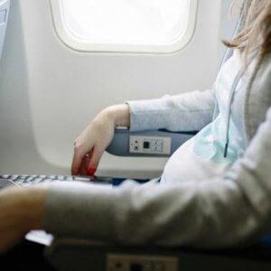 viajes-en-avion-para-embarazadas-sana-y-hermosa-