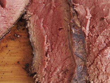 La Picaña es muy utilizada en los cortes brasileños, cortados en filetes y colocados en espadas para cocinarse en fuego indirecto.